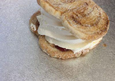 Creams- Cream crisp