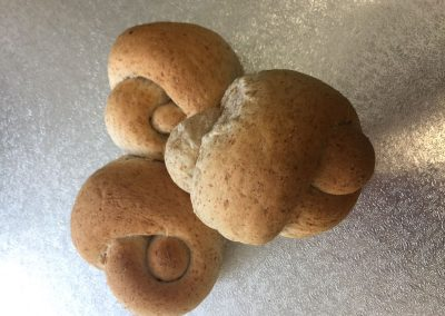 Knots (white & wholemeal)