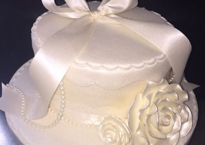 Flower with Ribbon Cake