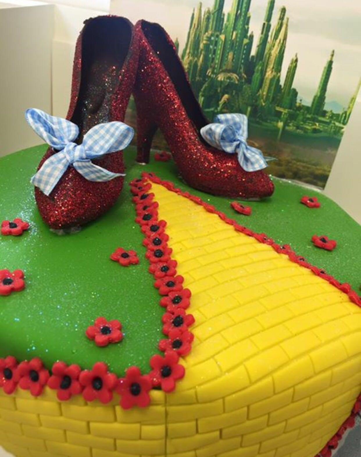 Swell Dorothy The Wizard Of Oz Cake Peter Herd Funny Birthday Cards Online Bapapcheapnameinfo